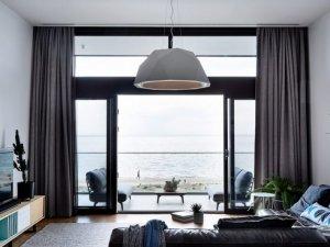 别墅铝合金门窗装修效果图 浴室复古黑色框架玻璃门图片