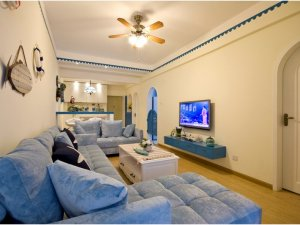 地中海卧室门装修效果图 白色木门图片